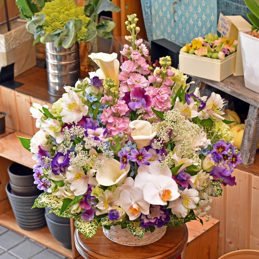 東京都大田区山王 大森の花屋 大花園(だいかえん)季節の旬な花をあなただけの贈り物に!上質でモダンな花贈りを大森スタイルでお届けします。お供えの花