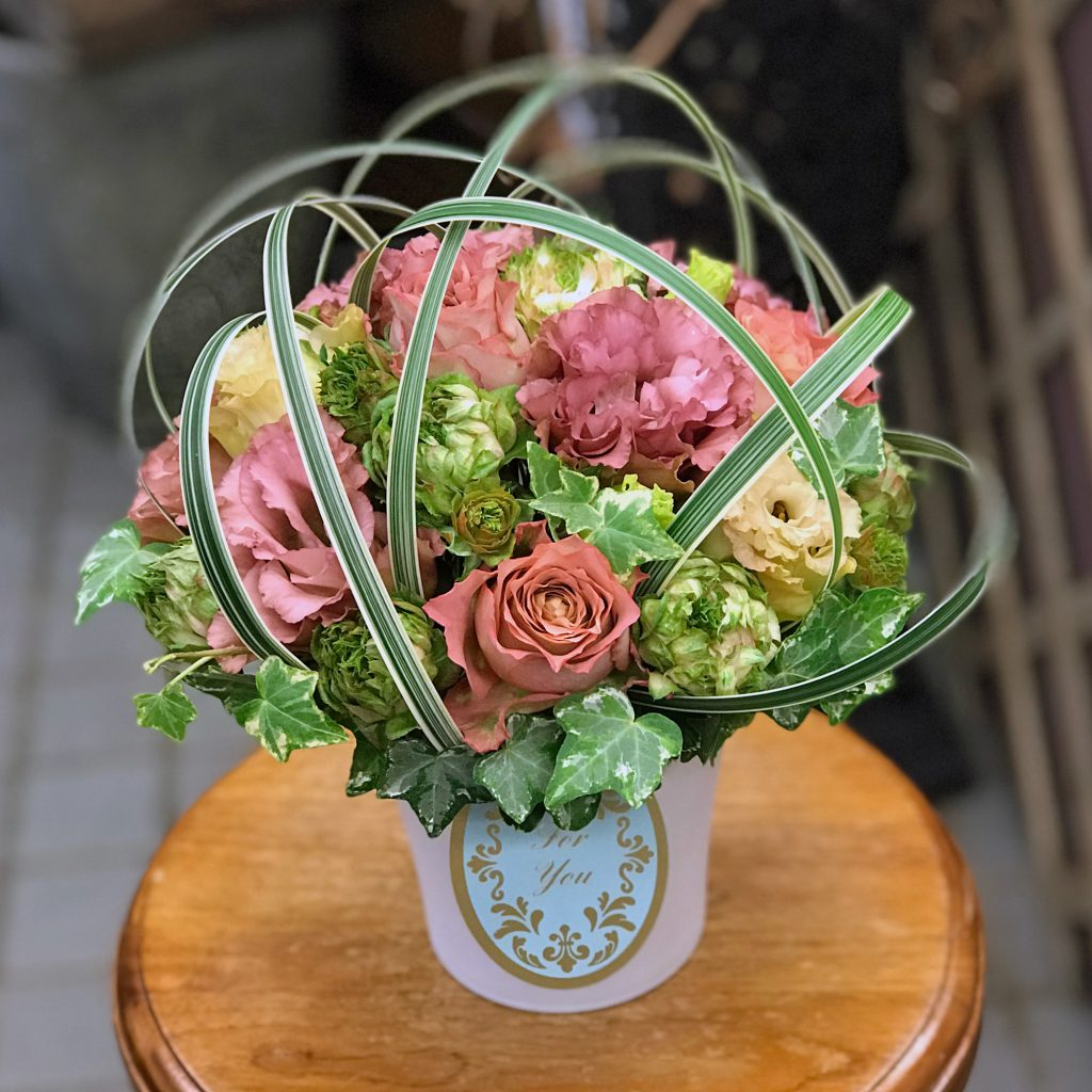 東京都大田区山王 大森の花屋 大花園(だいかえん)季節の旬な花をあなただけの贈り物に!上質でモダンな花贈りを大森スタイルでお届けします。父の日