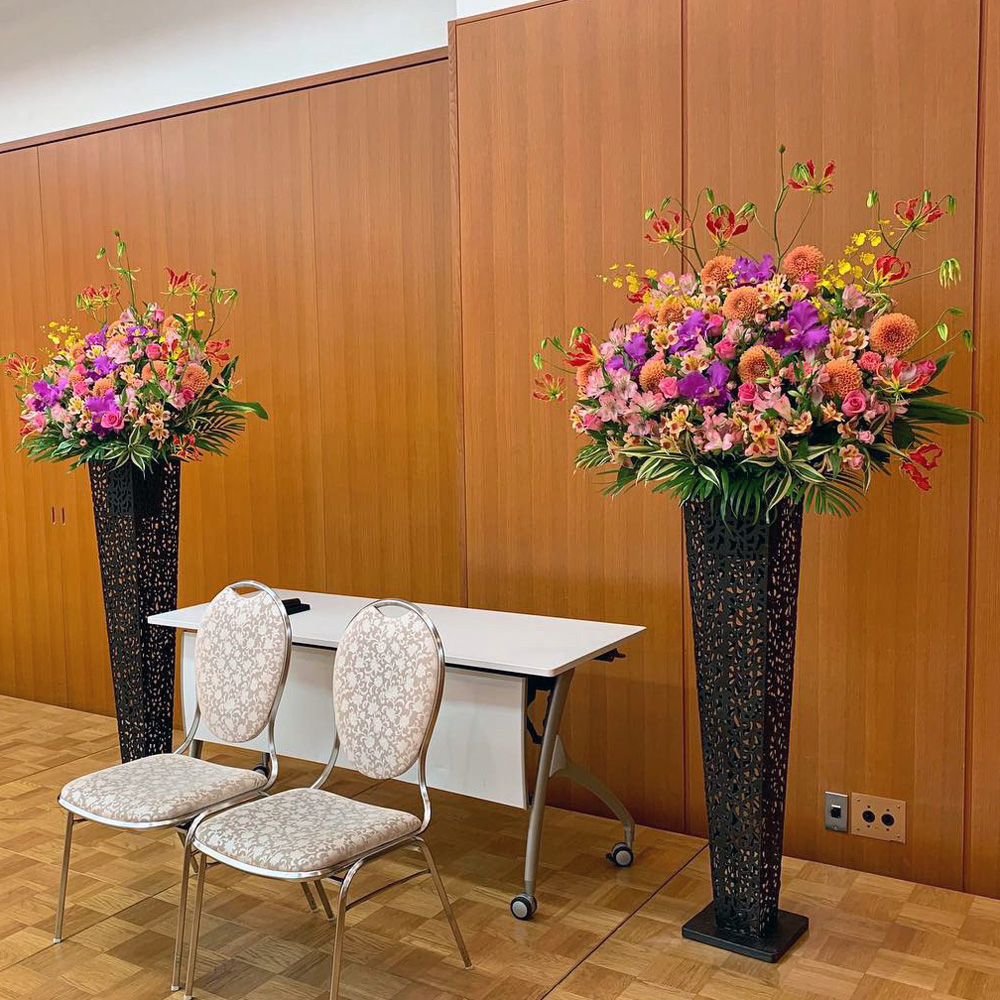東京都大田区山王 大森の花屋 大花園(だいかえん)季節の旬な花をあなただけの贈り物に!上質でモダンな花贈りを大森スタイルでお届けします。文化の森ホール