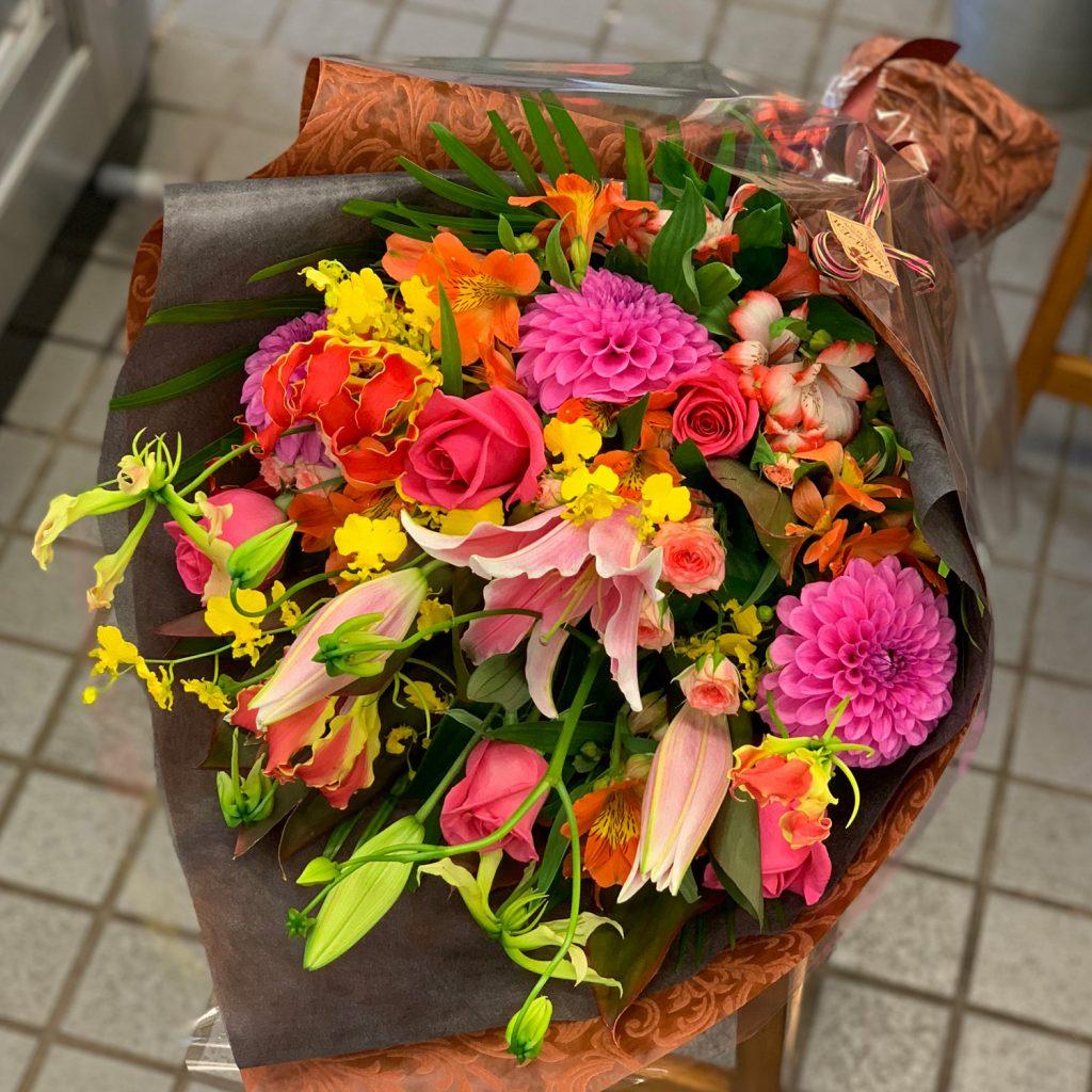 東京都大田区山王 大森の花屋 大花園(だいかえん)季節の旬な花をあなただけの贈り物に!上質でモダンな花贈りを大森スタイルでお届けします。花束