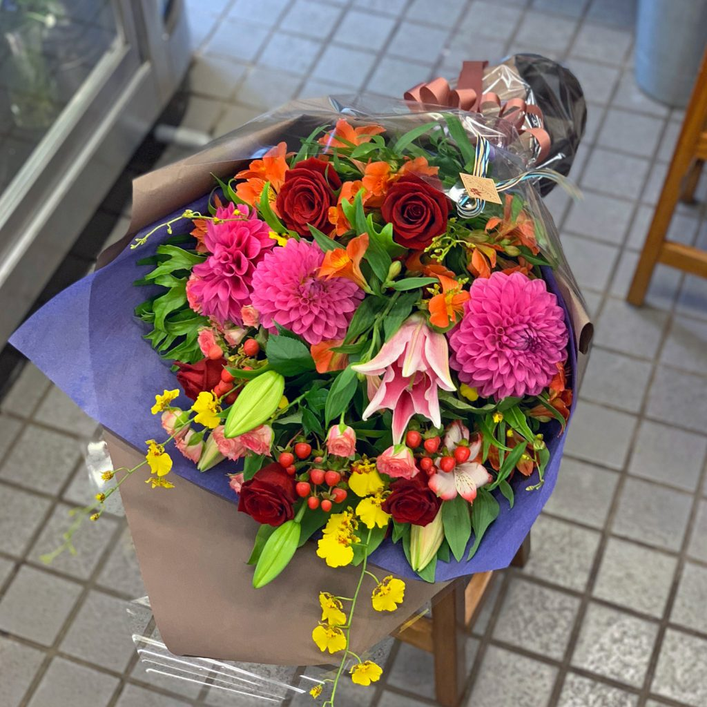 東京都大田区山王 大森の花屋 大花園(だいかえん)季節の旬な花をあなただけの贈り物に!上質でモダンな花贈りを大森スタイルでお届けします。発表会の花束